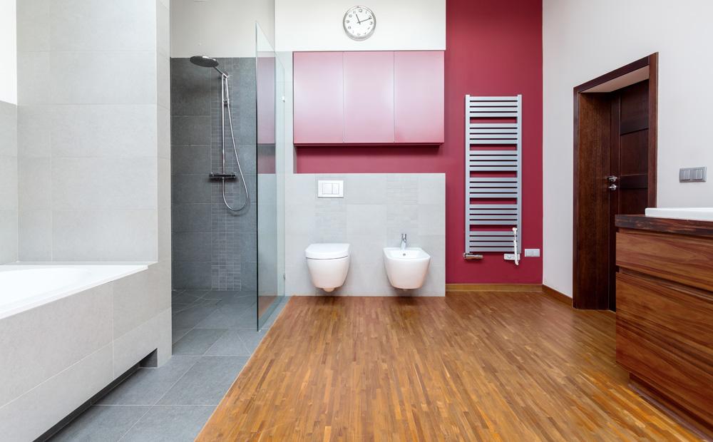 Parket of laminaat in de badkamer - Badkamer keramische ...