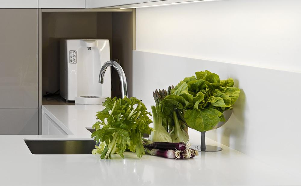 Corian Keuken Nadelen : Spatwand keuken: Materialen en hun eigenschappen